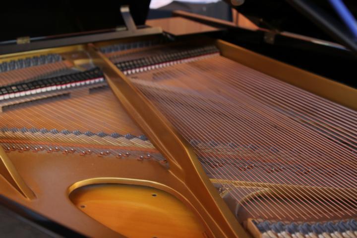 K640_8 Klavier
