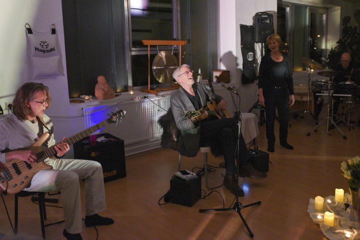 K640_Konzert Michael Stillwater , Jogi Soffner und KlangRund im Februar 2018 (11)